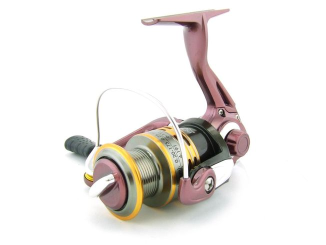 SARATOGA SSS 2000 5BB Bream Spinning Fishing Reel Trout Whiting Soft Plastics 1