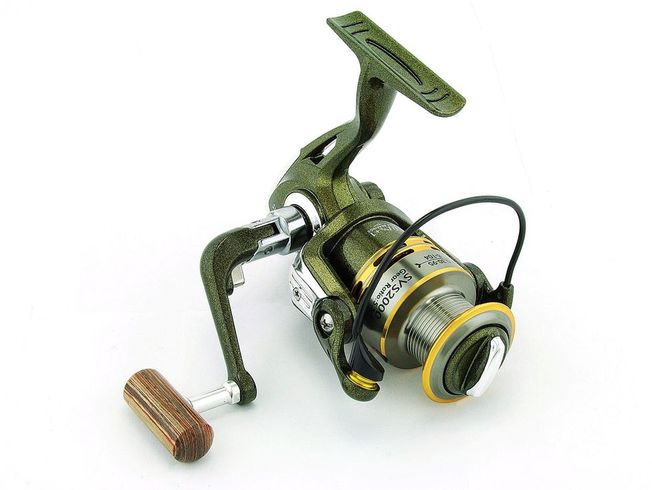 SARATOGA SVS 1000 7BB Bream Spinning Fishing Reel Trout Whiting Soft Plastics 2